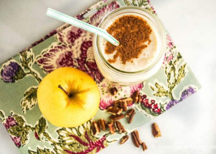 Apple smoothie in a large sample container with a fruity fraction.