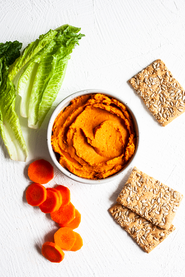 Brandi Doming & # 39; s Thai Red Curry Sweet Potato Dip