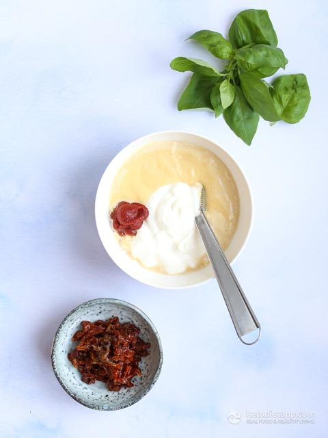Easy Tomato & Basil Dressing