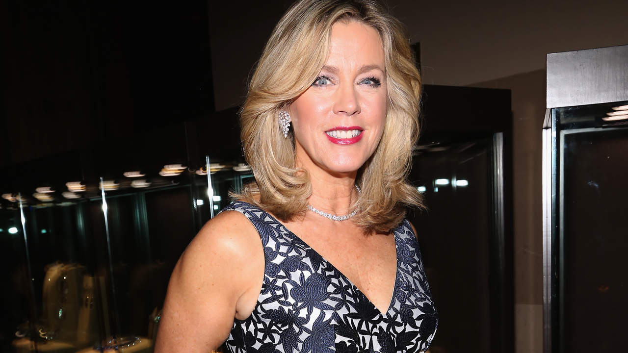 In De Edition by Deborah Norville sent 30 Lbs. After a decade I was very happy about her body