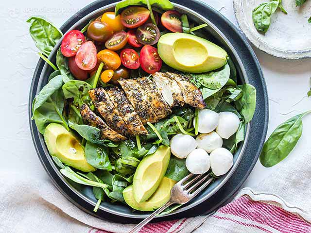 -Ancin Carb Caprese Chicken Bowls | KetoDiet Blog